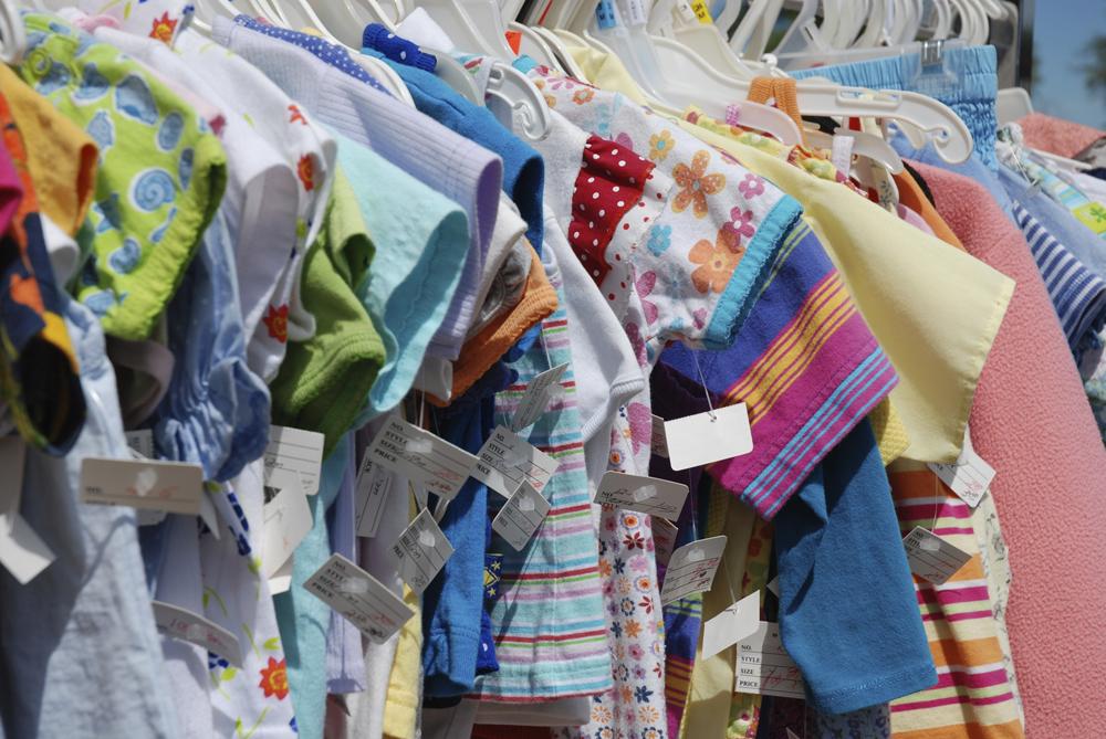 Модний дитячий одяг в магазинах секонд хенд