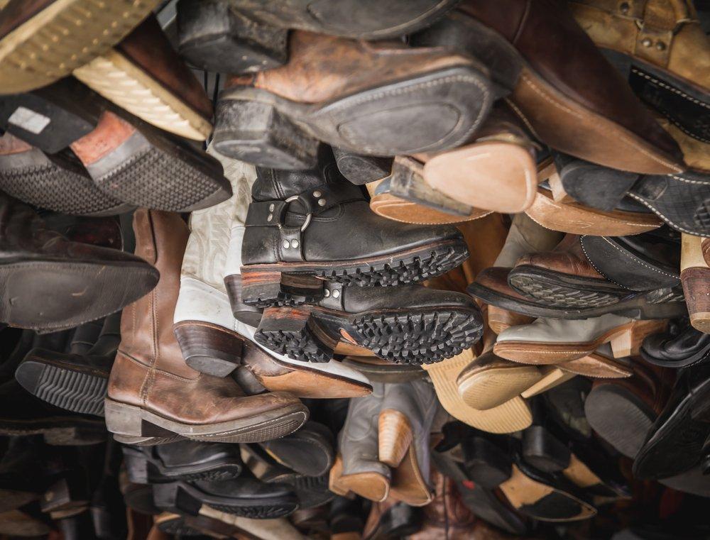 Как мы поставляем подержанную обувь